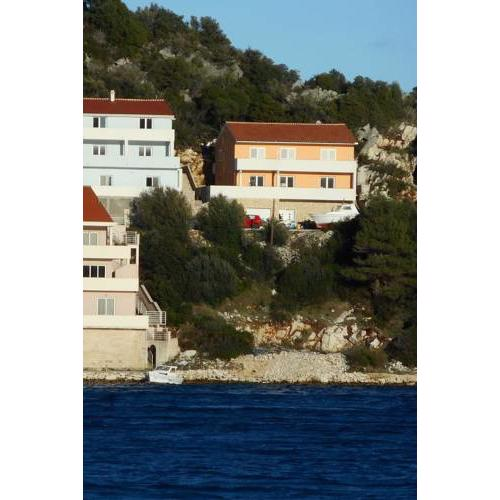 Apartments by the sea Zaklopatica, Lastovo - 12452
