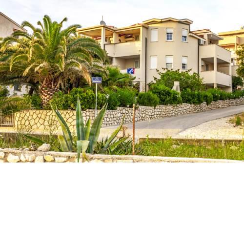 Giovanni Apartments Family Resort
