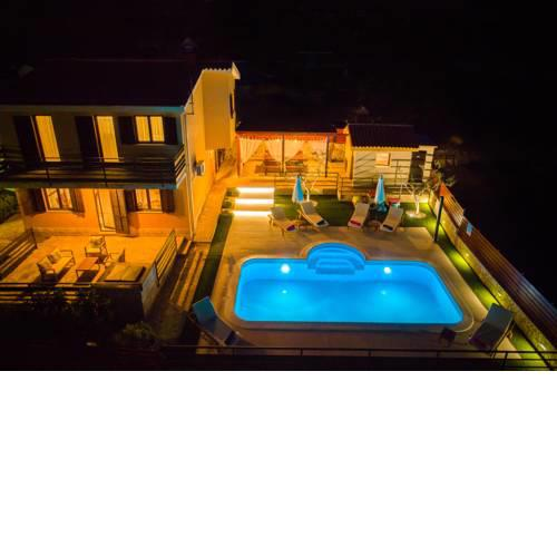 Holiday home Magic view with private heated pool